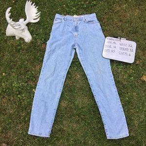 14 Long vintage high waist Levi's jeans 32W X 32L